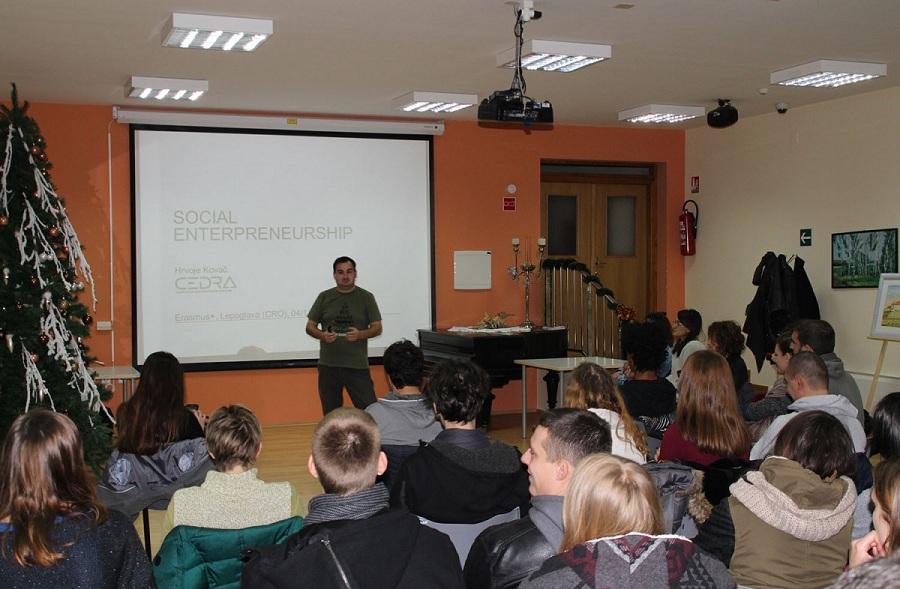 large_mladi_europa_predavanje_1